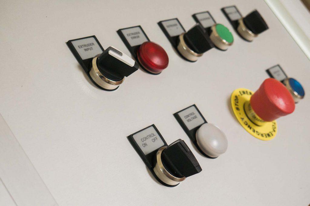 Quadro elétrico à media. Programação PLC